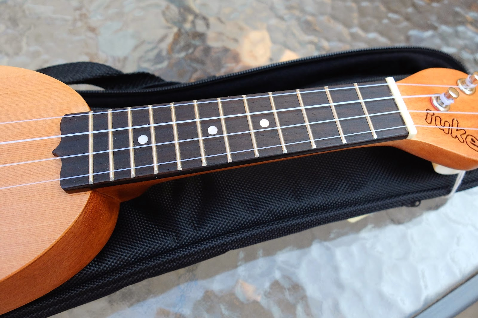 iUke Piccolo Mini Ukulele fingerboard