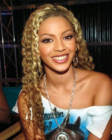 Let s take a look at some hairstyles Beyonc  233  has worn in the past Beyonce Blonde Curly Hair 2013