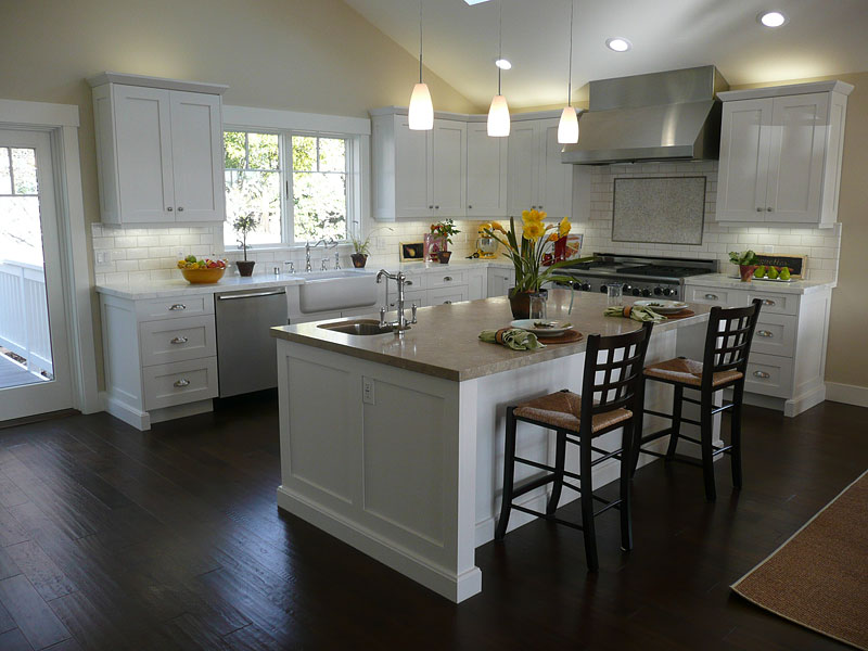 White Kitchen Cabi S With Dark Floors