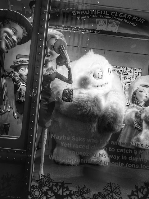 Excited Yeti, Saks Fifth Avenue, #5thAvenueHolidayWindows NYC 2013