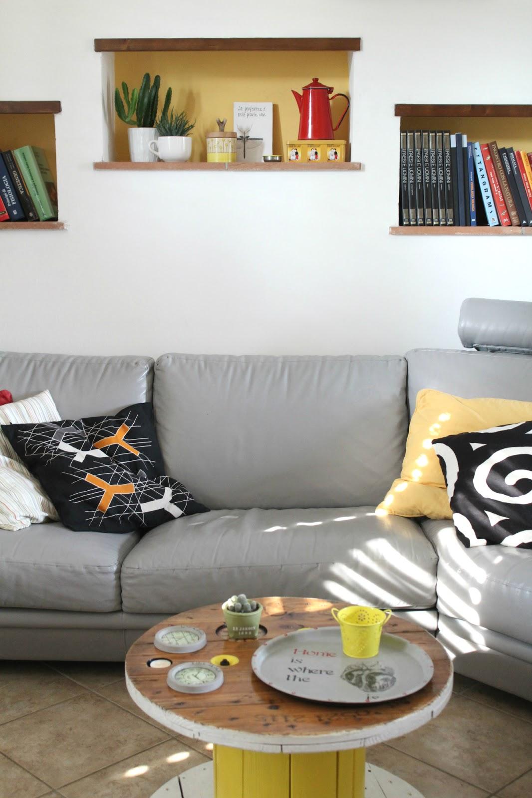 Vivere a piedi nudi living barefoot come ho dipinto il mio divano diy epicfail o epicwin - Il divano scomodo ...