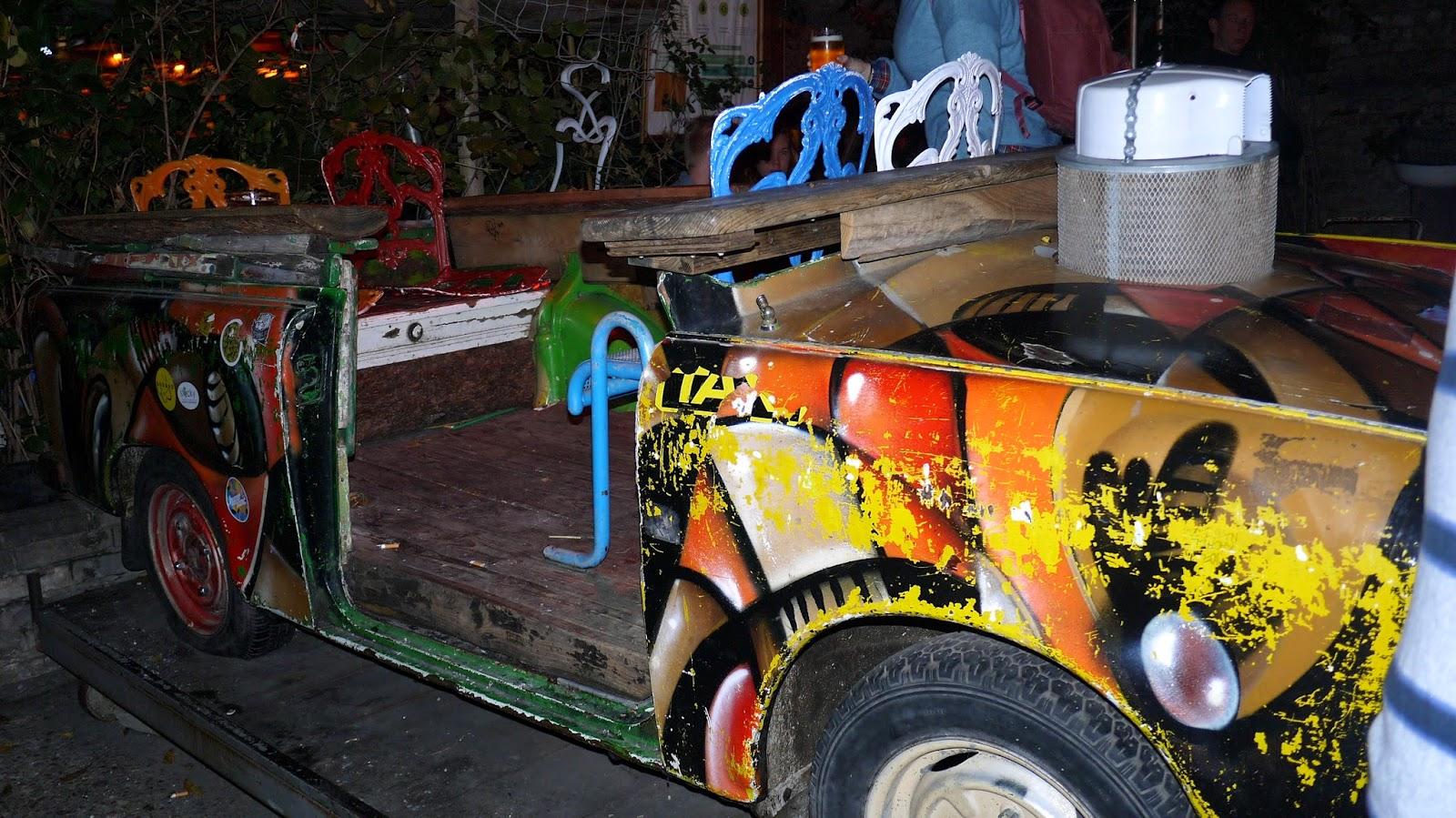 Szimpla Kert budapest ruin bar jeep car