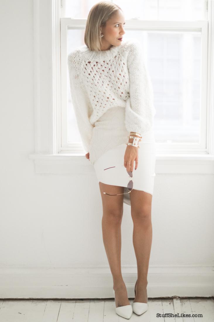 White sweater, chunky knits, Fashion blogger, top fashion Blogger, Los Angeles blogger, best fashion blogger, White on white, H&M sweater, Taye Hansberry, Austrailian clothes, Elliatt, Ear Jacktes, dark lipstick, Blonde blogger, Black blogger, Black fashion blogger, ethnic blogger, Blogger host,
