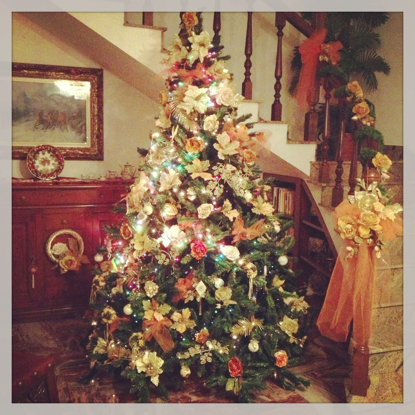 Have a holly jolly christmas!! [ it's beginning.. !] #instagram - shabby&countryife.blogspot.it
