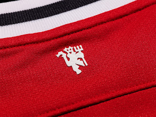 Manchester United FC Uniform Lion Logo HD Wallpaper