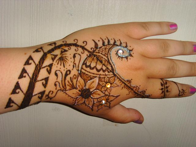 Cool Mehndi Patterns : Beautifulmehndidesigns cool mehndi design for hands