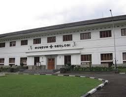 Yuk Ke Museum Geologi Bandung....!!!| http://indonesiatanahairku-indonesia.blogspot.com/