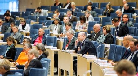 http://www.riksdagen.se/sv/Debatter--beslut/Ovriga-debatter/Partiledardebatter/Partiledardebatt/?did=H1C120140507pd#pos=7080