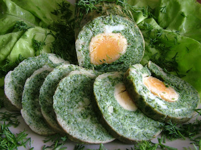 Rolada jajeczna ze szpinakiem