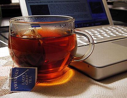 10 استخدامات للشاي منها تلميع الأثاث وتنظيف السجاد
