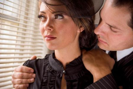 مؤشرات تدل على ان خطيبك سيكون غيور ومسيطر بعد الزواج - رجل مستحوذ - possesive husband man