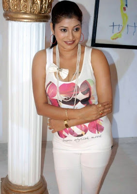 Actress Shobana Naidu Hot Sexy in White Dress Photos