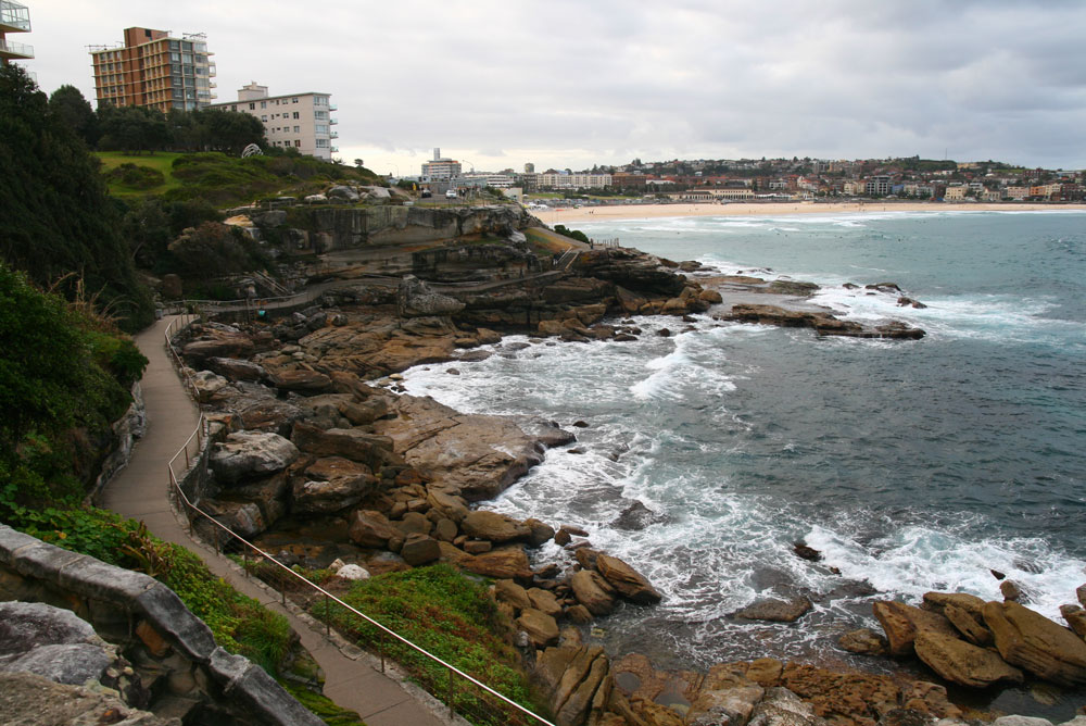 how to get to bondi from the rocks