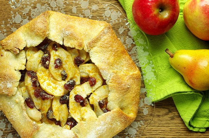 free+form+apple+pear+cranberry+tart.jpg