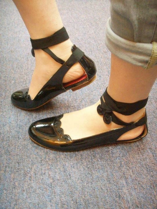 Hairstyle Magic: Feet hurt not heel and flat sole