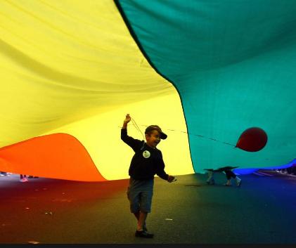 dittatura gay omosessualismo, omofobia associazioni gay
