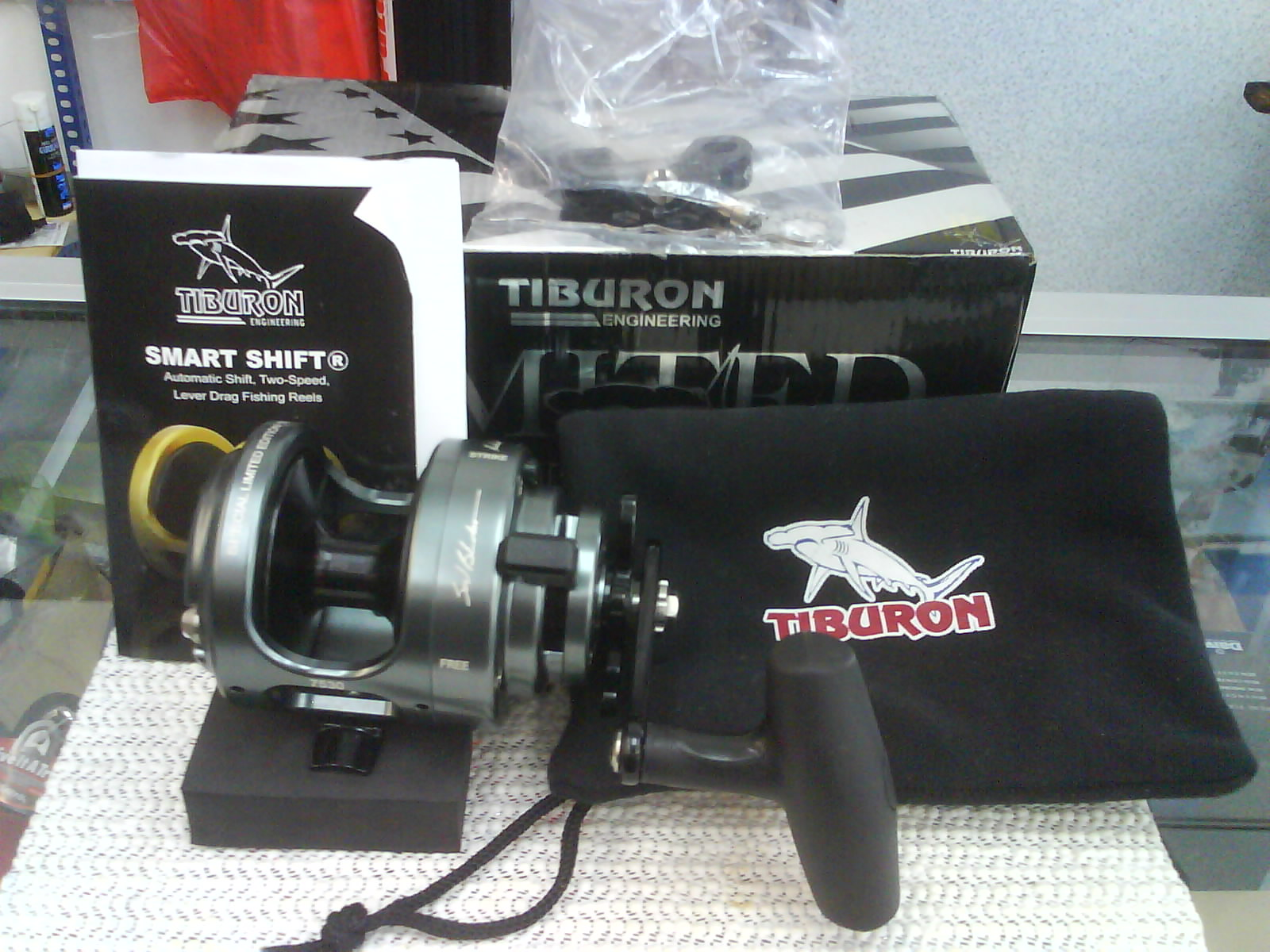 Mecangkuk tiburon special limited edition fishing reel for Used fishing reels for sale