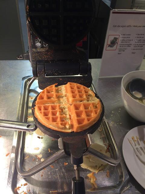 breakast waffles hotel birger sweden