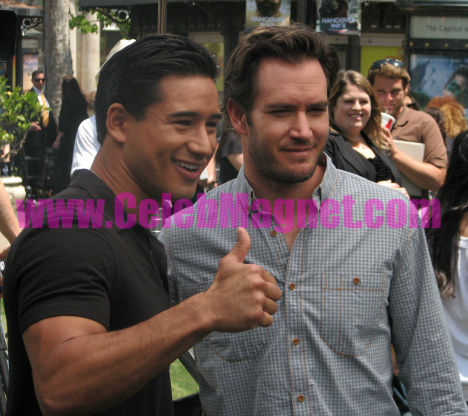 Mark-Paul Gosselaar interviewed by Mario Lopez