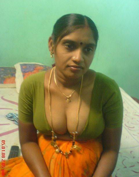 cock raising pics of hot mallu aunty showing big boobs
