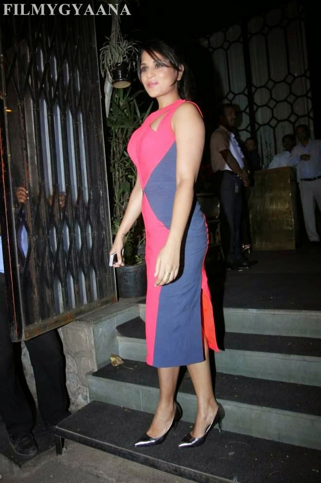 Richa Chadda Hot Tight Sleeveless Dress Photos
