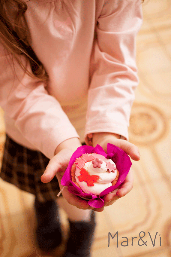 Idee per feste infantili, decorare cupcakes