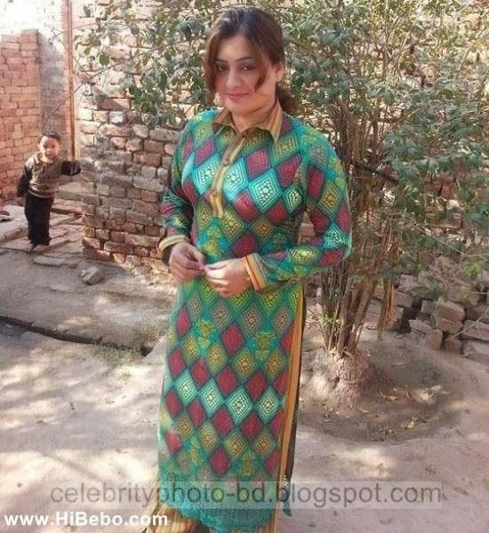 Beautiful%2BPakistani%2BHot%2BGirls%2BPhotos%2BNew%2BCollection002