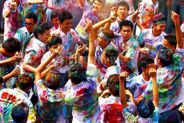 Tradisi kelulusan di Indonesia VS Jepang