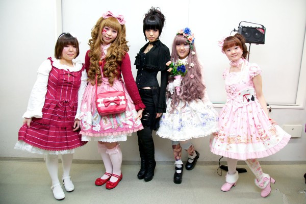 Tips on how to coordinate your own style lolita outfits cute i think most of the female love a fahionable clothing style lolita because this clothing style will display your cute and youngest you can dress yourself solutioingenieria Choice Image