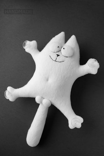 Кот Саймон - игрушка на присосках в машину. Заказать.