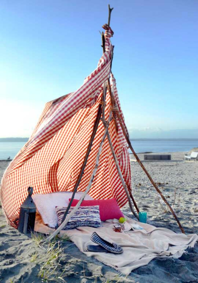 Diy how to make a beach tent for Build your own beach house