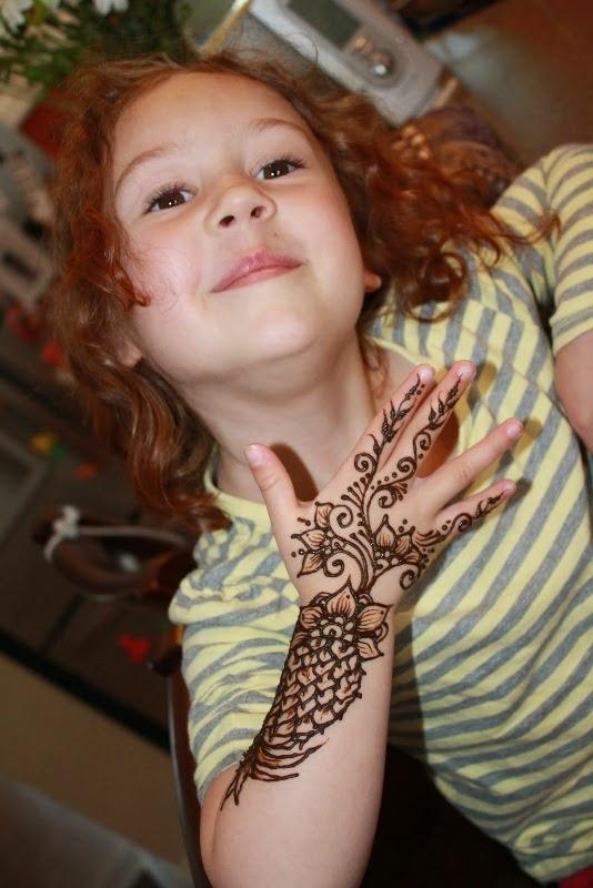 Contoh gambar model henna untuk anak perempuan