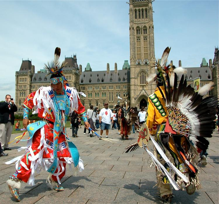aboriginal canadians Report to the prime minister by douglas r eyford building relationships forging partnerships aboriginal canadians and energy development.