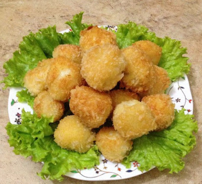 Vietnamese Fish Recipe: Fried Salmon with Quail Egg Filling Recipe
