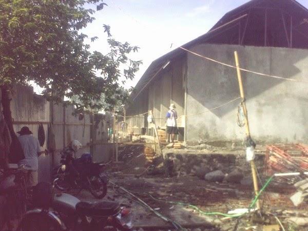 Proses Renovasi pemotongan unggas Pasar Semanggi Solo