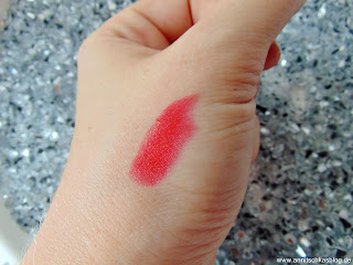 Astor Lipbutter - Keep in Touch Swatch - www.annitschkasblog.de
