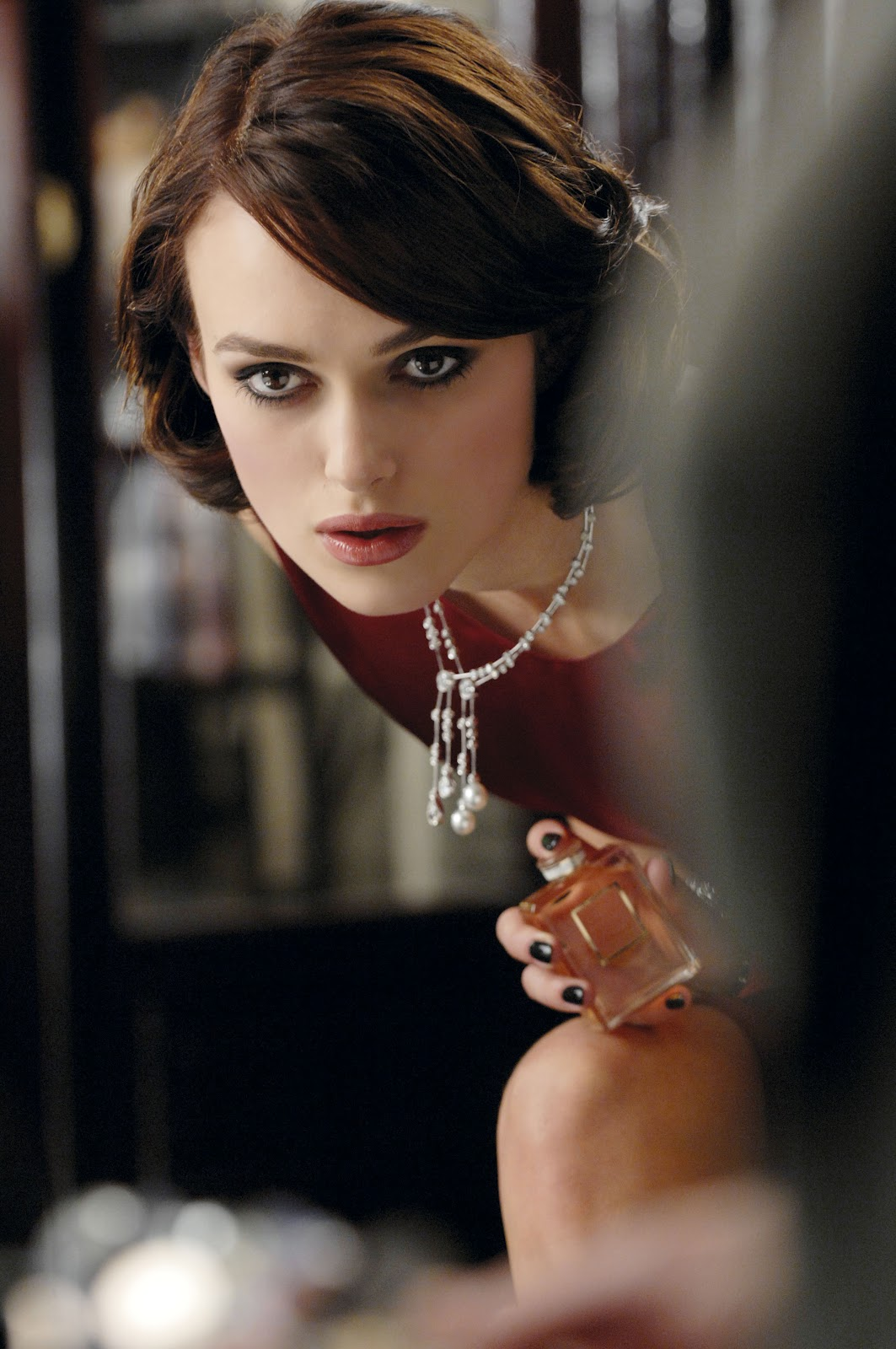 celebrities movies and games keira knightley is the face of chanel s fragrance coco. Black Bedroom Furniture Sets. Home Design Ideas