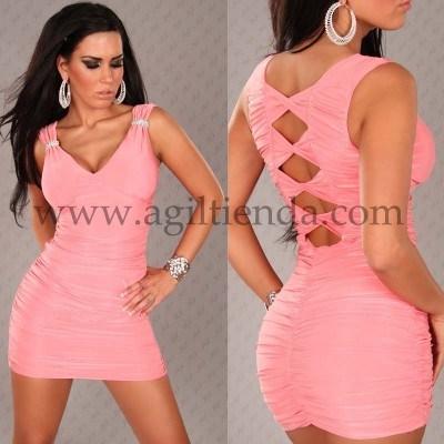 Disenos de vestidos cortos escotados