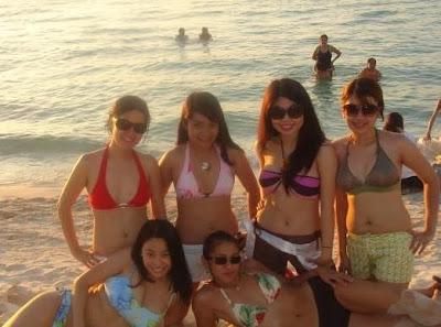 ABG Cantik dan Seksi Pesta Seks di Pantai