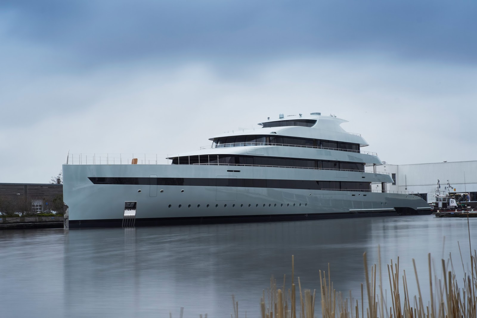 Superyacht SAVANNAH