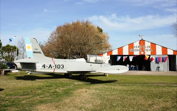 Aeroclub Coronel Vidal custodia Macchi 4-A-103