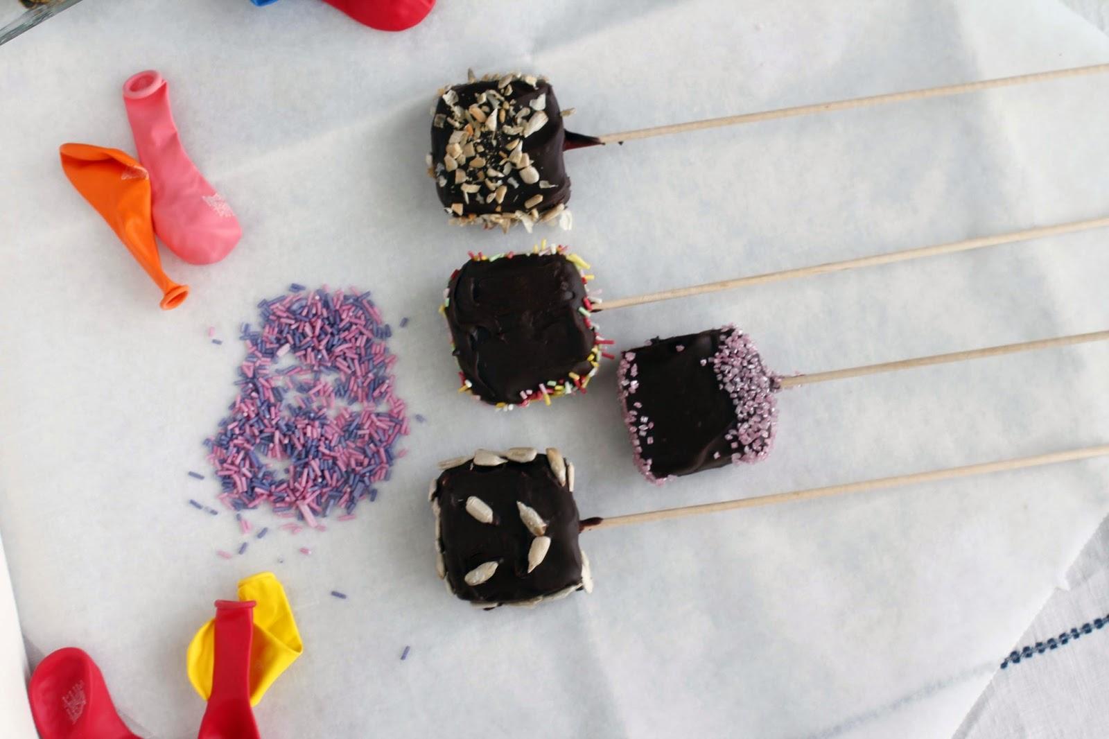 Receta Cake pops de queso y chocolate para cocinar con niños