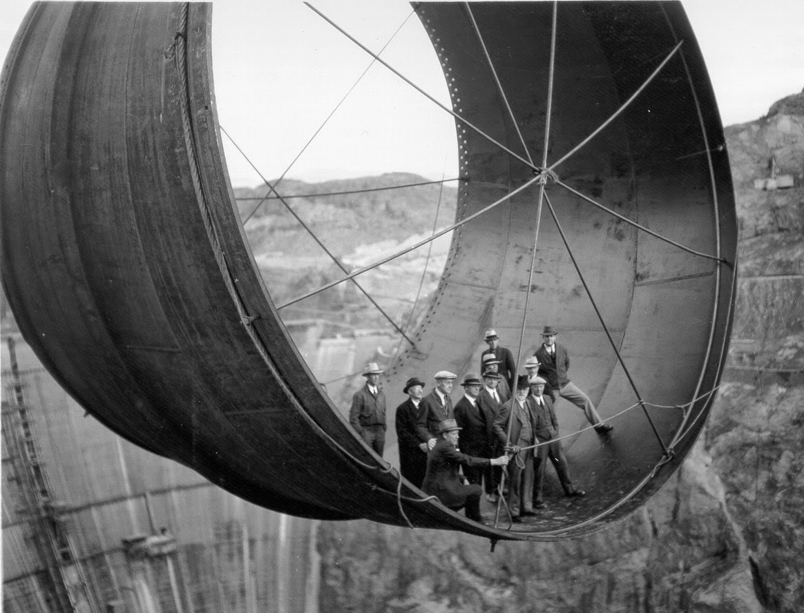 Ultimate Collection Of Rare Historical Photos. A Big Piece Of History (200 Pictures) - Hoover Dam pipe