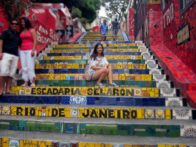 escadaria selaron, santa teresa, lapa, rio de janeiro, streetstyle
