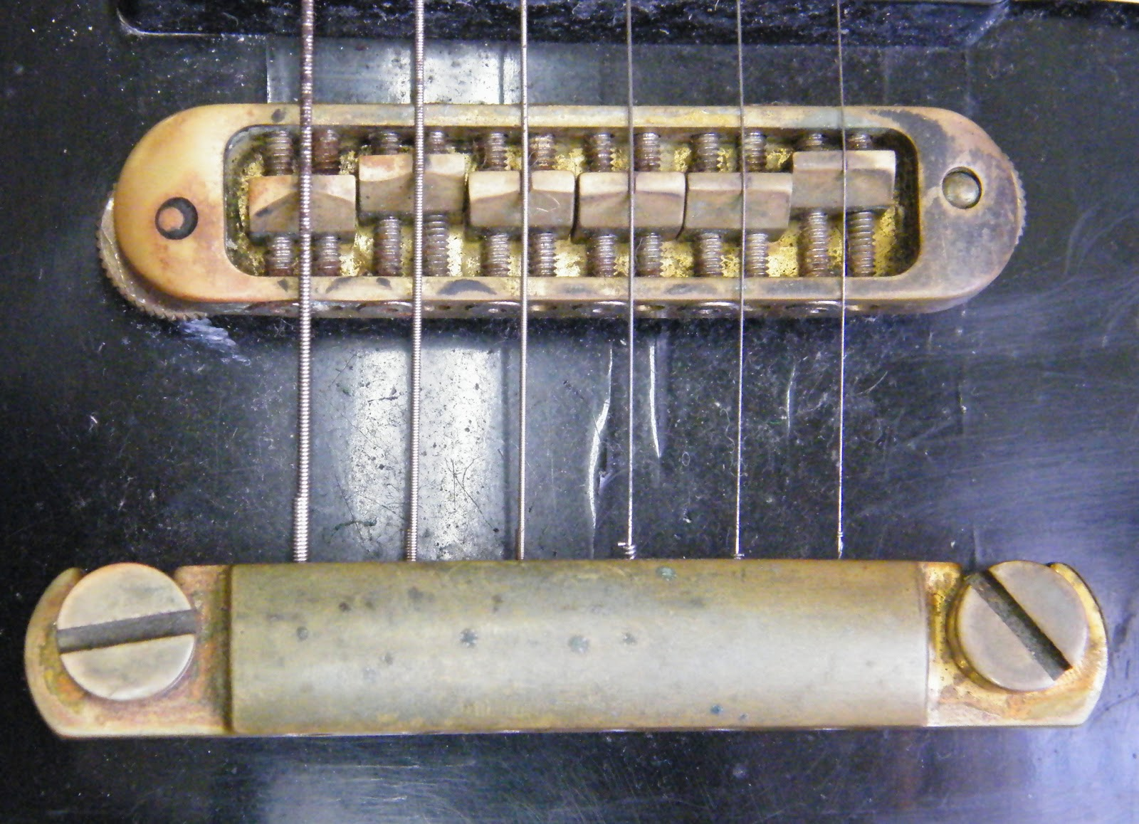 Mr Glyns Guitar Repair Les Paul 79 Refret With A Difference 3 Way Switch Problem Both Bridge And Tailpiece Have Been Changed To Very Solid Brass Ones The Customer Tells Me He Was Sick Of Fitting New Gibson Bridges Only Them Sag