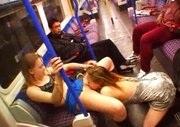 Duas Lesbicas Transando no Metro