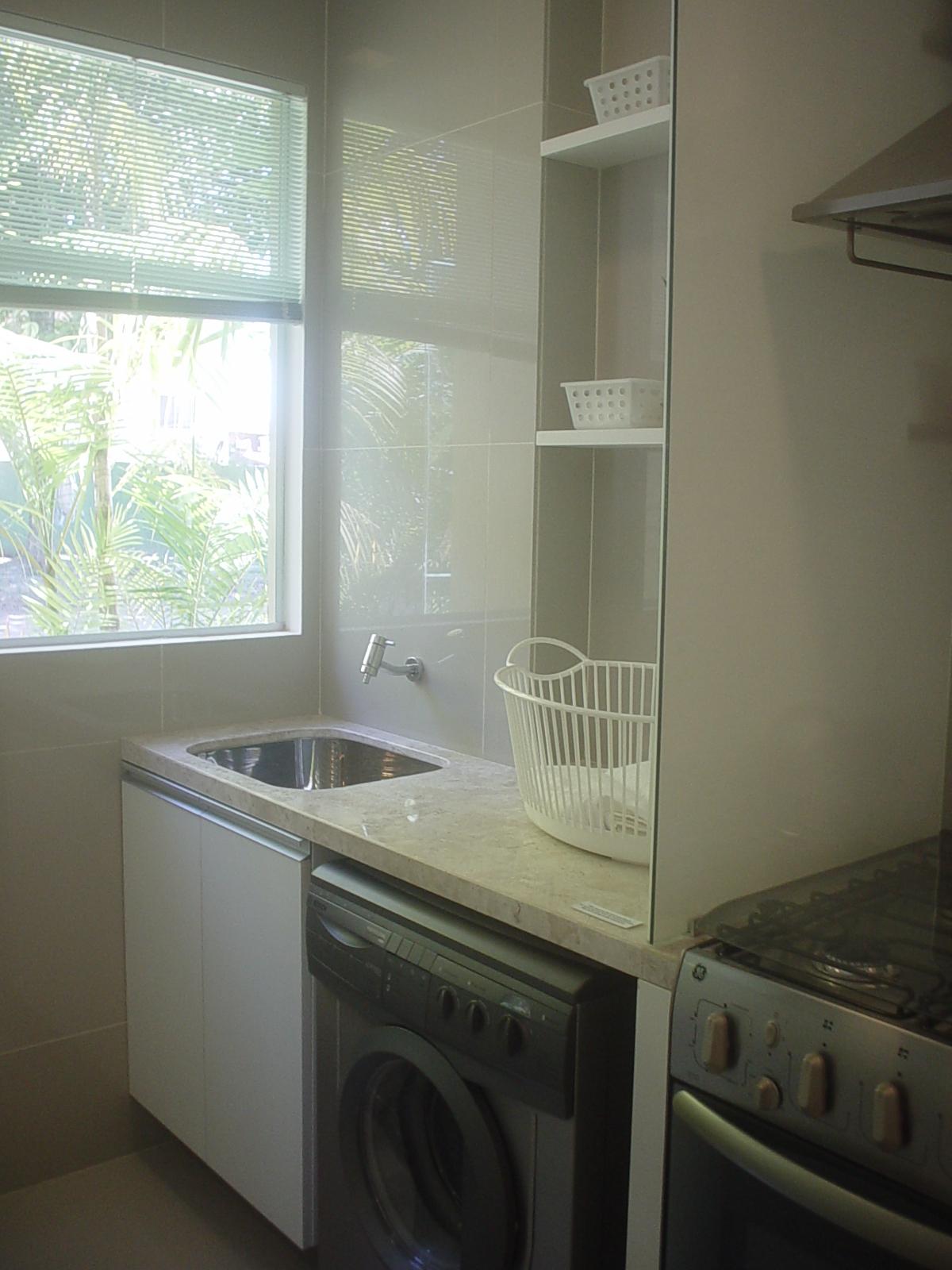 duas portinhas é ótimo para quem tem pouco espaço na lavanderia #57745E 1200 1600