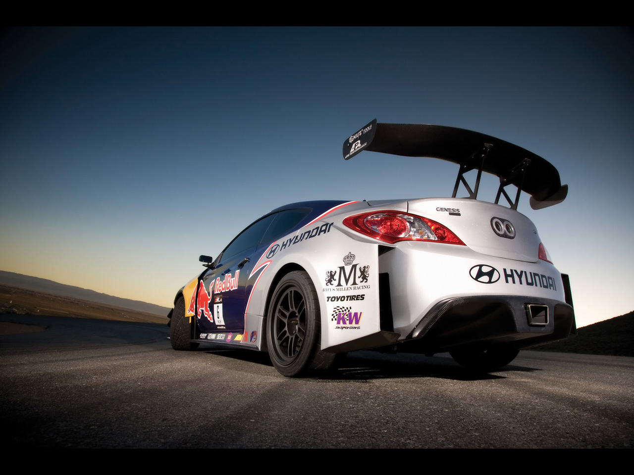 http://2.bp.blogspot.com/-5bLEe63jreI/TjuQyuhp0nI/AAAAAAAAJLw/AeR1yd5opMc/s1600/RMR+Red+Bull+Hyundai+Genesis+Coupe+Bes+Ever+Car+Wallpapers+3.jpg