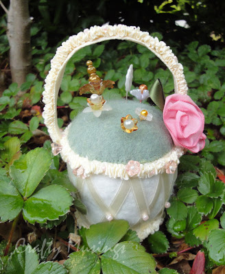 Frilly Ribbons basket pincushion, front view