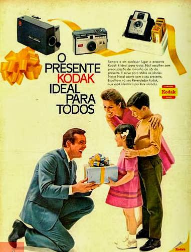 Propaganda das máquinas fotográficas e filmes Kodak. 1968.